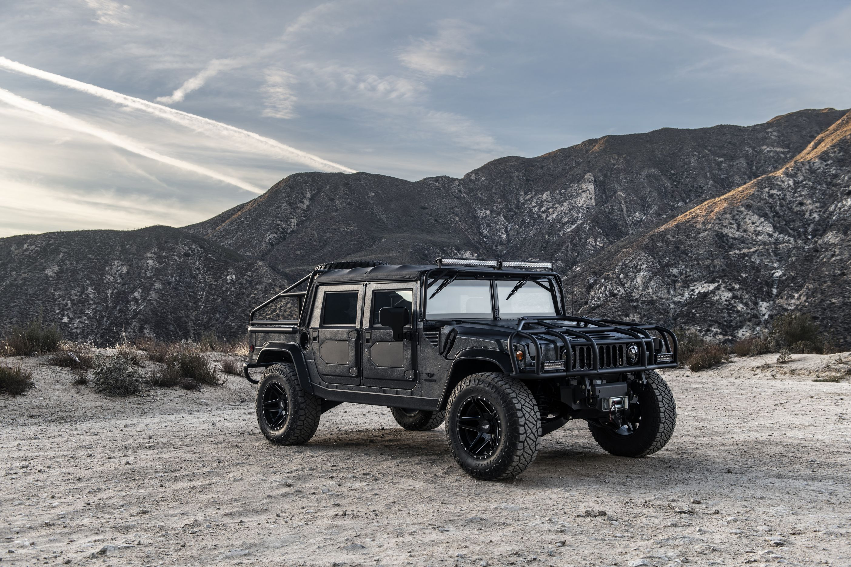 12 Cool Things About the Mil-Spec Hummer H1