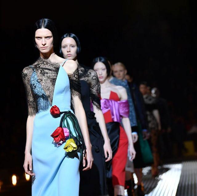 Fashion, Runway, Fashion design, Event, Fashion show, Performance, Haute couture, Fashion model, Dress, Night,