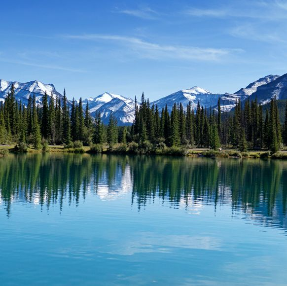 Body of water, Water, Nature, Sky, Lake, Natural landscape, Blue, Reflection, Water resources, Mountain range,