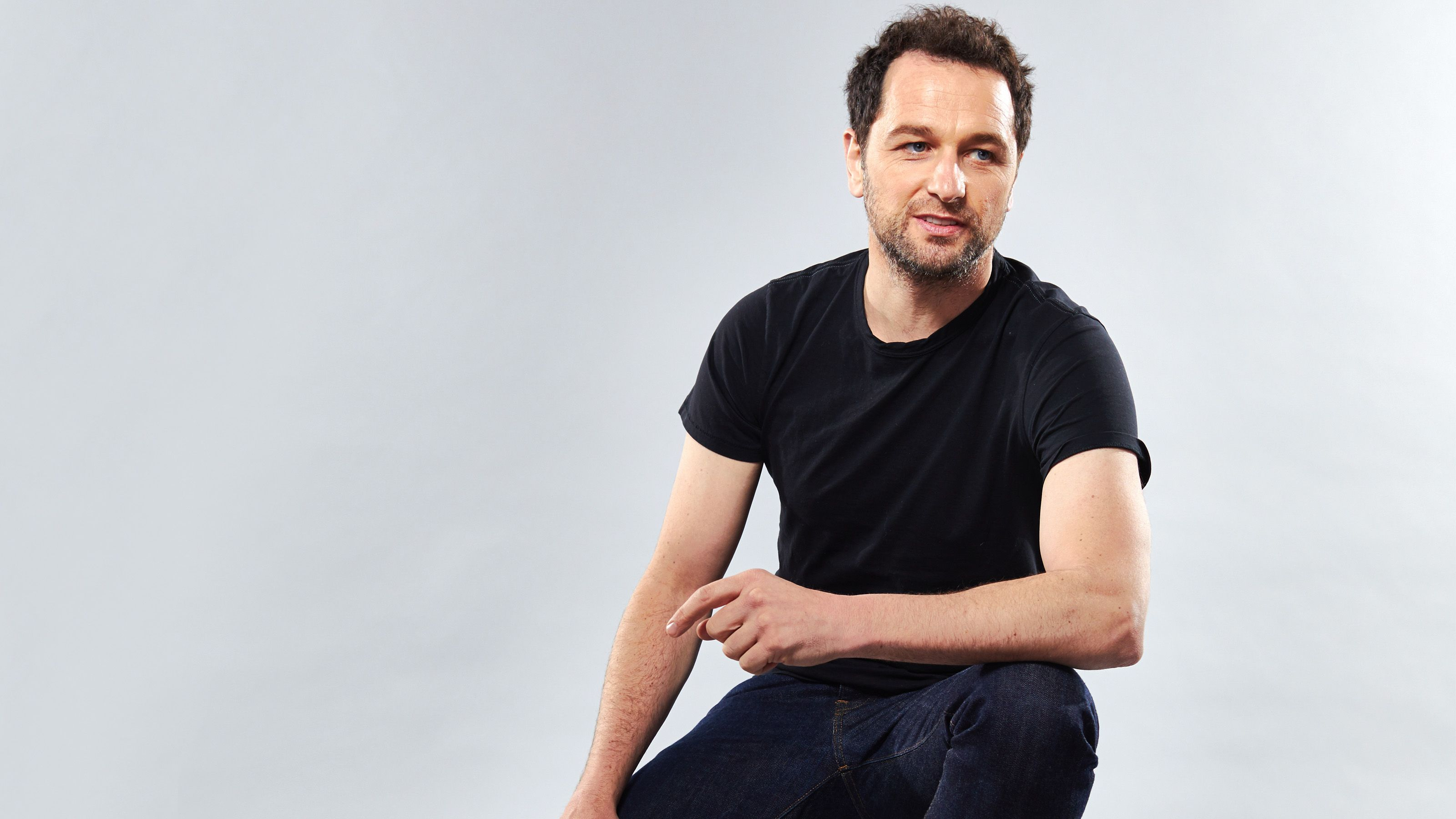 Matthew Rhys Talks The Americans Series Finale, Marriage to Keri