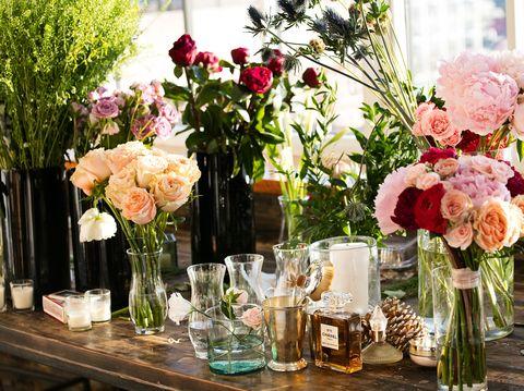 21 diy wedding flowers tips how to save money on wedding flowers. Black Bedroom Furniture Sets. Home Design Ideas