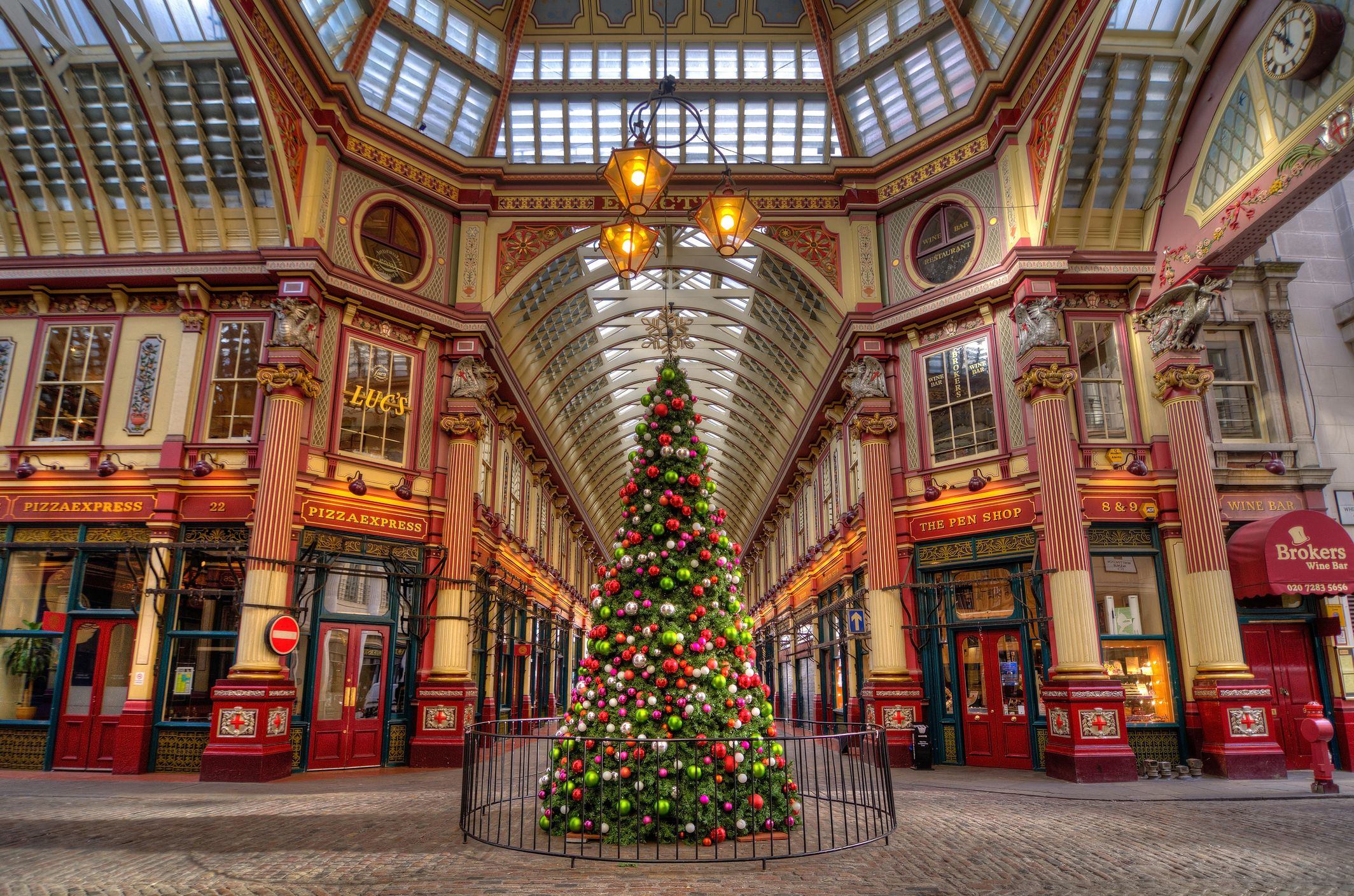 9c352bc8836 8 Best Things to Do in London at Christmas 2019 - London Holiday ...