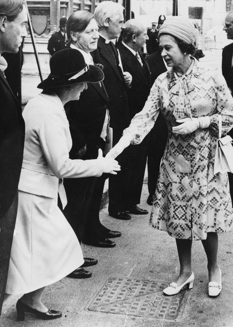 margaret thatcher and queen elizabeth ii
