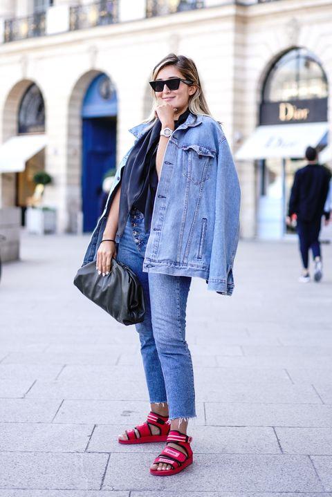 Jeans, Clothing, Denim, Street fashion, Fashion, Snapshot, Footwear, Outerwear, Pink, Coat,