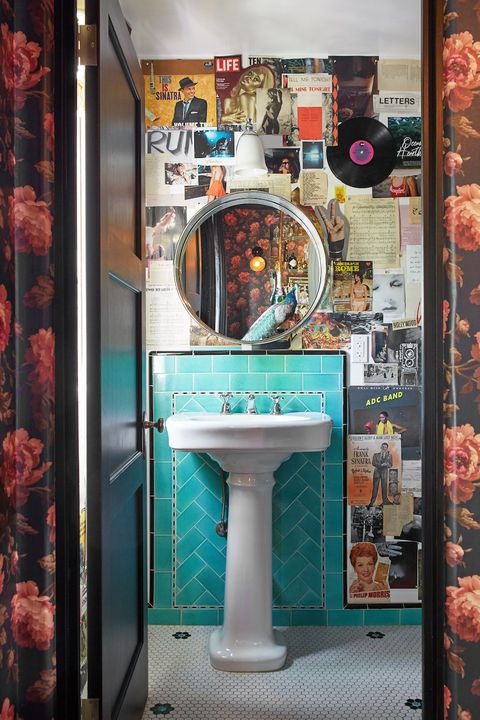 28 Bathroom Wallpaper Ideas That Will Inspire You To Be