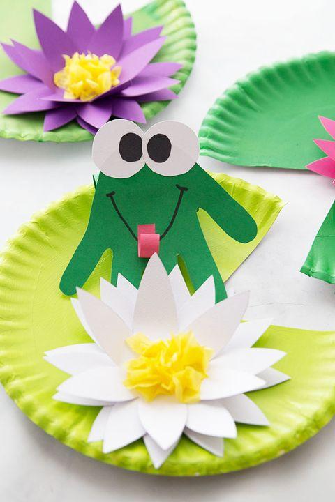 leap day activities - handprint frog