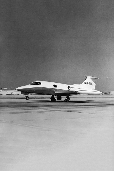 Learjet 23 Takes Off