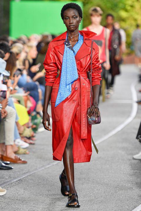 Модные тренды 2020, мода весна-лето 2020: объемный рукав, вышивка ... | 720x480
