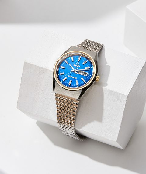 Analog watch, Watch, Watch accessory, Product, Fashion accessory, Strap, Jewellery, Brand, Material property, Font,