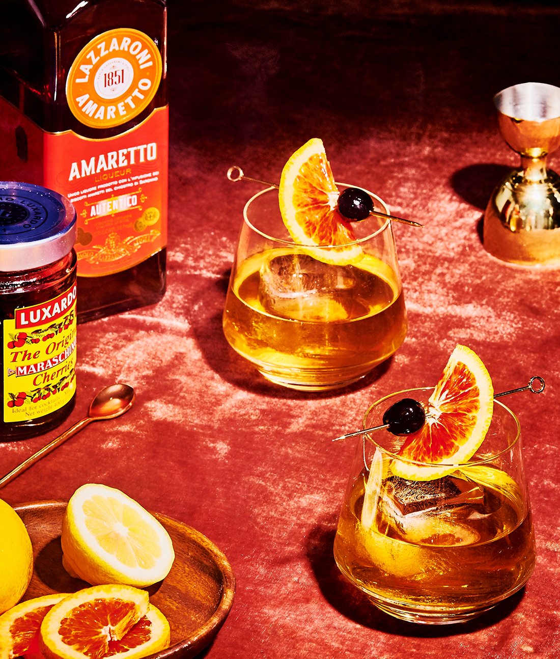How to Make an Amaretto Sour