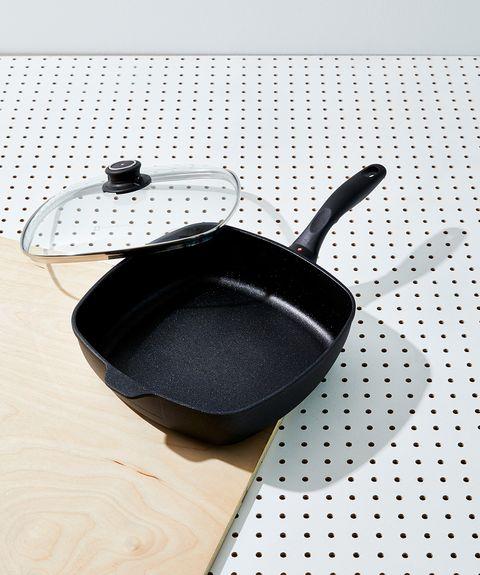 Cookware and bakeware, Frying pan, Lid, Sauté pan, Metal, Wok,