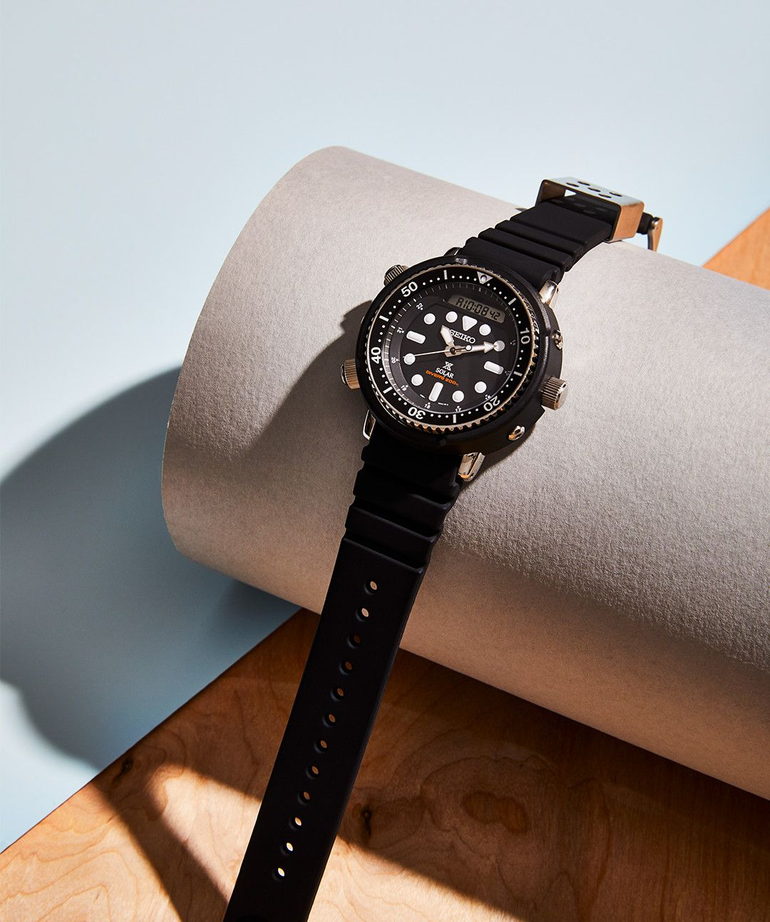 The Smart, Stylish Diver That'll Withstand Anything