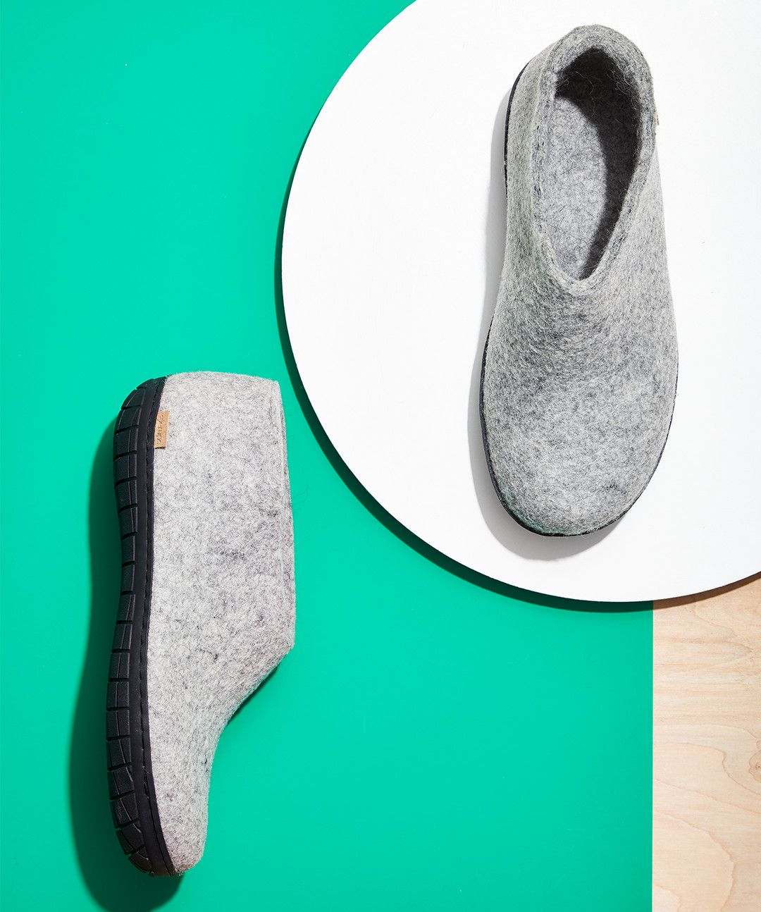 Take That Haul of Holiday Cash and Buy These Ridiculously Good Slippers Immediately