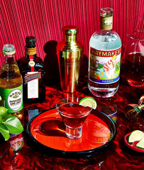Liqueur, Drink, Alcoholic beverage, Distilled beverage, Alcohol, Bottle, Liquid,
