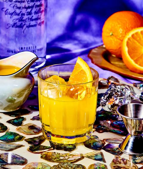 Drink, Food, Alcoholic beverage, Meyer lemon, Distilled beverage, Ingredient, Whiskey sour, Sour, Non-alcoholic beverage, Spritzer,