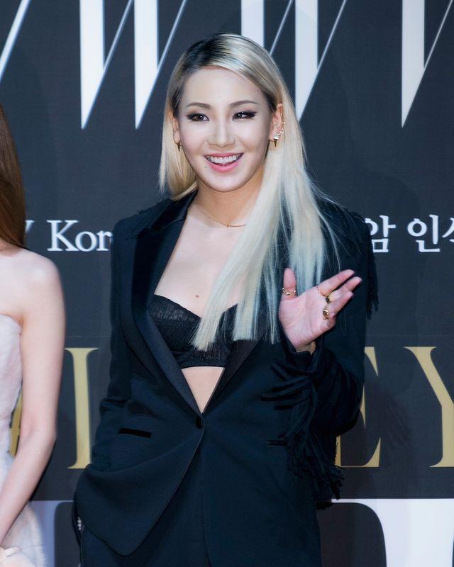 韓国の4人組ガールズグループ・2ne1出身で、ハリウッド映画『mile 22』にも出演した歌手のcl。5月19日に放送された韓国のトークバラエティ『ユ・クイズ on the block』で、父親との信頼関係を物語るエピソードを明かした。