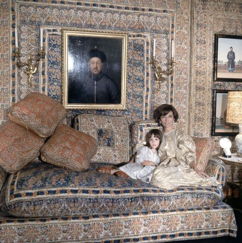princess lee radziwill with daughter anna christina in the turquerie room of their london house interior designed by renzo mongiardino