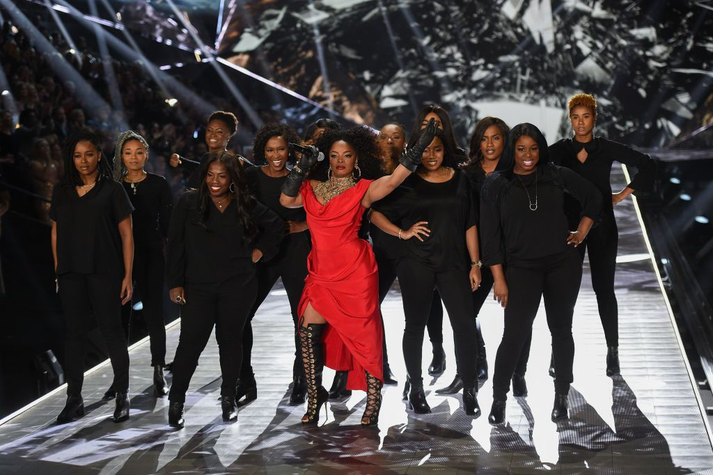 Singer Leela James Brings A Gospel Choir To Victoria S Secret
