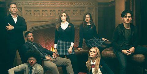 Nina Dobrev And Paul Wesley Kissing Off Set Vampire Diaries' Nina ...