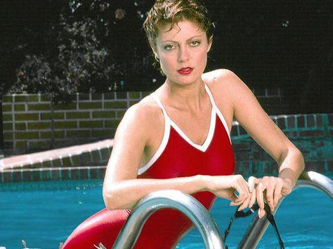 Water, Tennis, Leisure, Fun, Summer, Swimming pool, Lip, Leg, Muscle, Sitting,