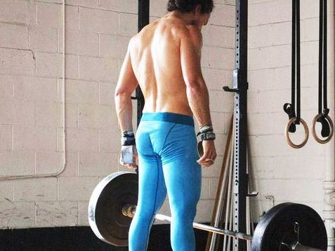 af889bb9e0 Men Should Wear Compression Leggings To Work Out - Here's Why