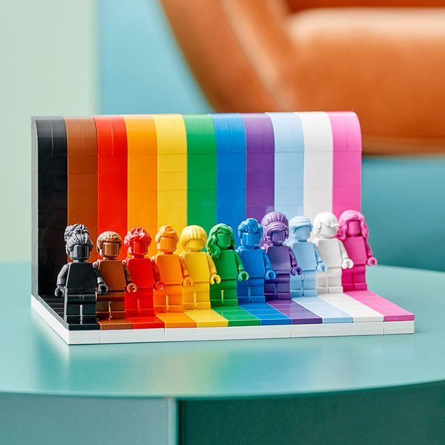 lego everyone is awesome pride set