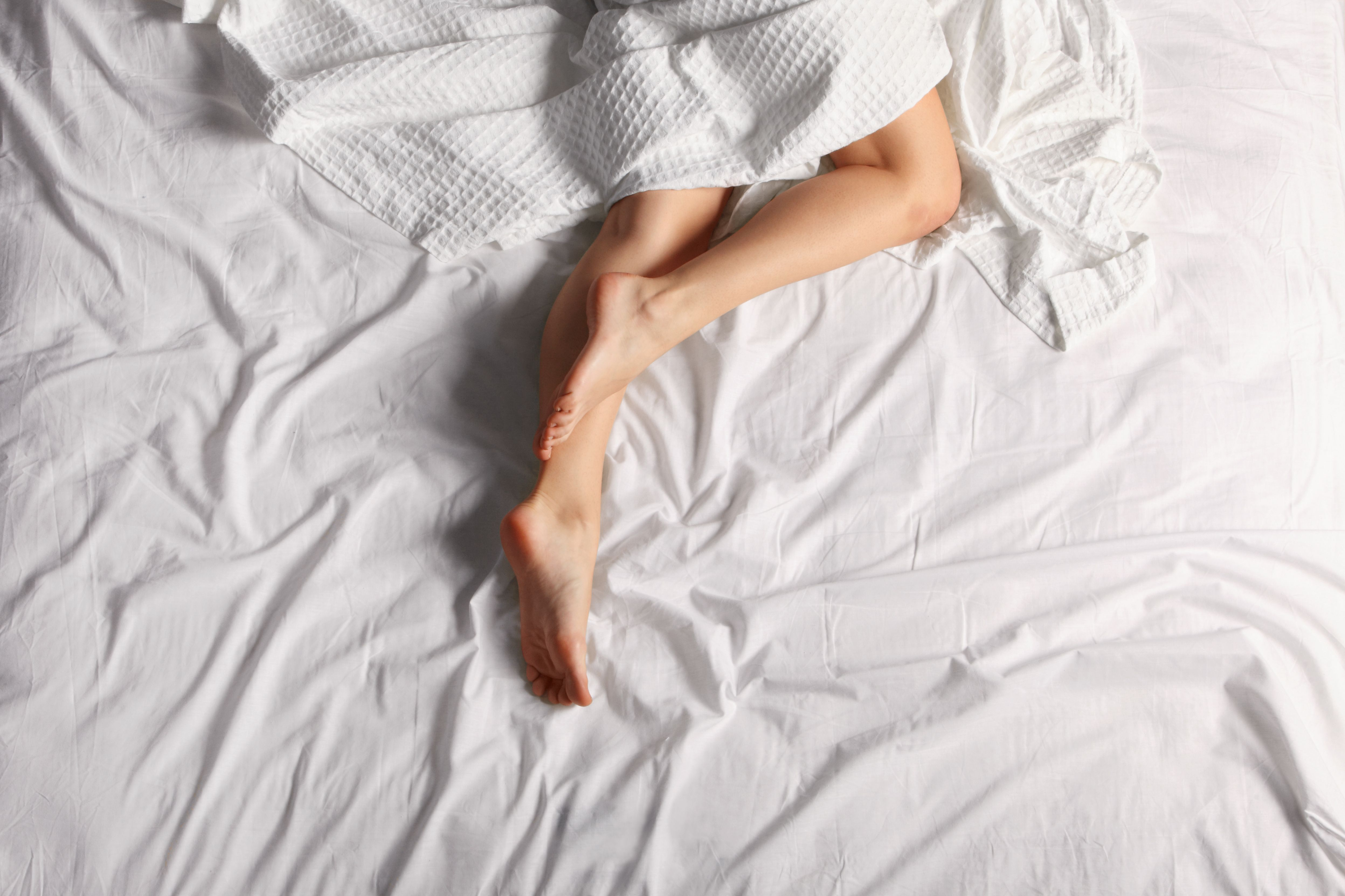 5 Unexpected Reasons You Should Sleep Butt Naked Tonight