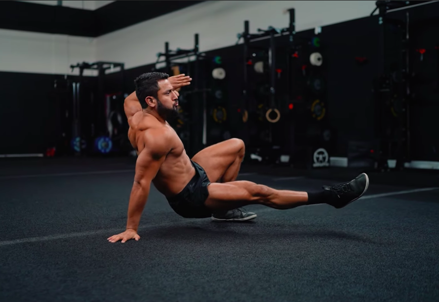 Eric Leija Just Shared His Favorite 'Unconventional' Bodyweight Exercise Routine