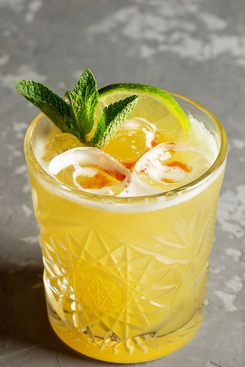 Drink, Food, Non-alcoholic beverage, Fizz, Cocktail garnish, Sour, Ingredient, Alcoholic beverage, Juice, Distilled beverage,