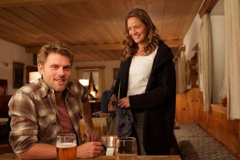 Patricia Aulitzky y Jens Atzorn en la película Un caso de amor de la serie Lena Lorenz.