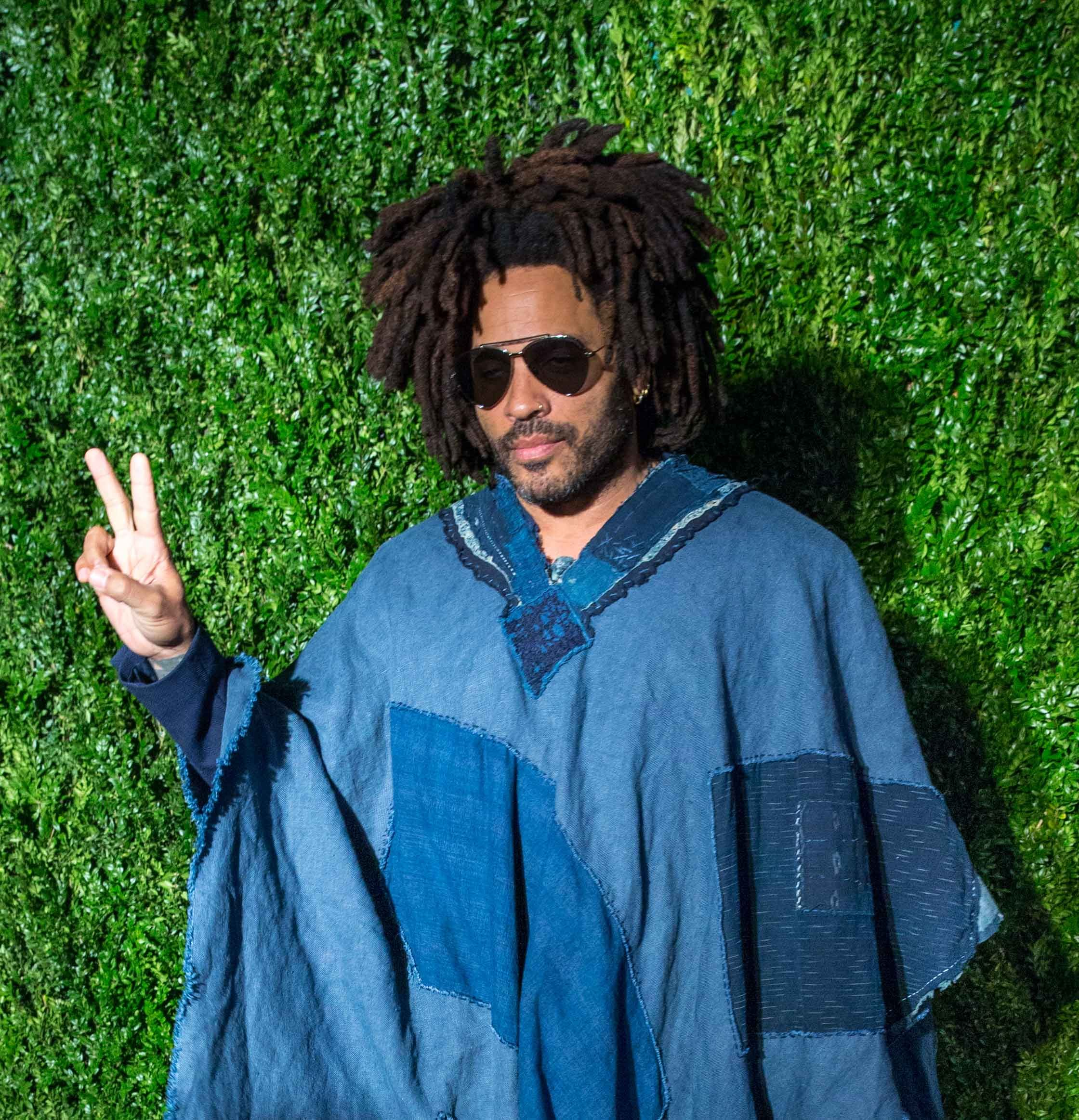 2e3c758607c  Lenny Kravitz Wearing a Giant Denim Poncho  Is the  New Lenny Kravitz  Wearing a Giant Scarf