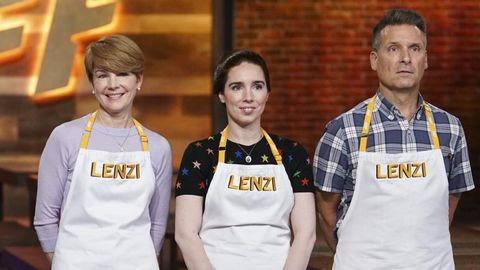 2fd2da3c4f5 Ayesha Curry's 'Family Food Fight' Premiered Last Night And Twitter *Could  Not* With One Contestants