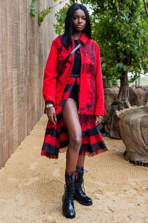Tartan, Clothing, Red, Plaid, Fashion, Pattern, Street fashion, Design, Outerwear, Footwear,