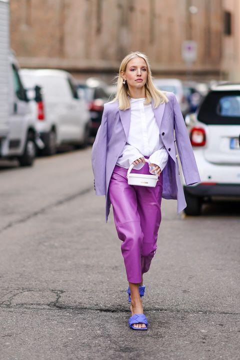 2021早秋的五種「西裝外套」穿搭法!15款修身正式、寬鬆版型、粉嫩色調西裝外套推薦