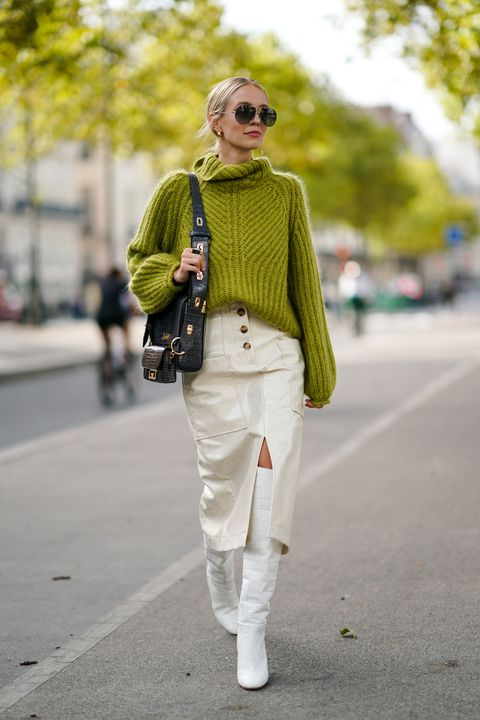 Street Style : Paris Fashion Week - Womenswear Spring Summer 2020 : Day Eight