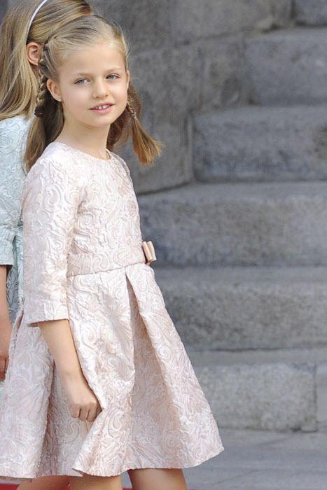 Princesa Leonor de Borbón, peinados