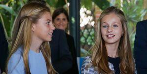 La princesa Leonor y la infanta Sofía estilo looks premios Princesa de Girona