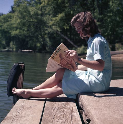 Water, Sitting, Leg, Leisure, Human leg, Summer, Reading, Vacation, Joint, Human body,