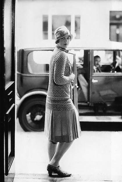 Photograph, White, Black, Black-and-white, Standing, Snapshot, Monochrome, Monochrome photography, Shoulder, Fashion,