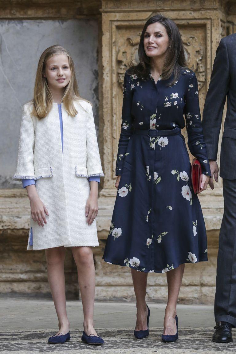 La reina Letizia apuesta por un vestido 'low cost' para la misa de Pascua