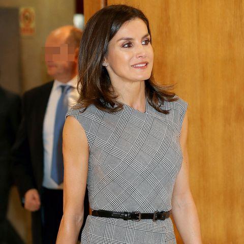 La reina Letizia estrena vestido con uno de sus estampados favoritos 7e984ee7ff0