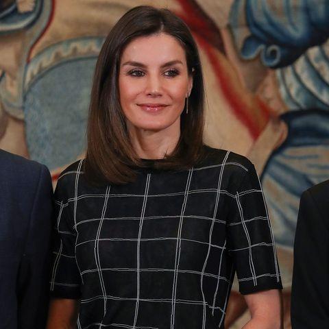 La reina Letizia estrena pero no quiere que se note