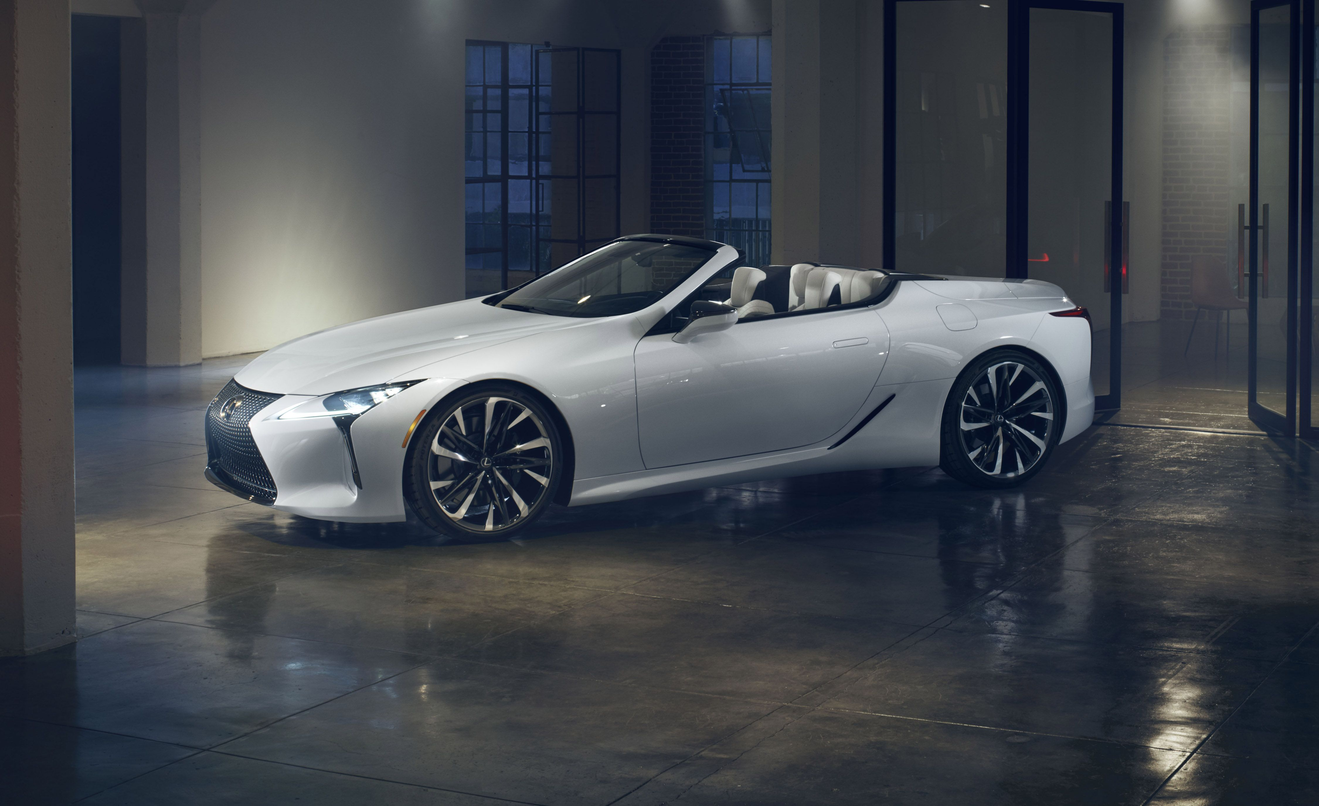 Lexus Lc Convertible Concept Is A Stunning Droptop That S Ready To Cruise
