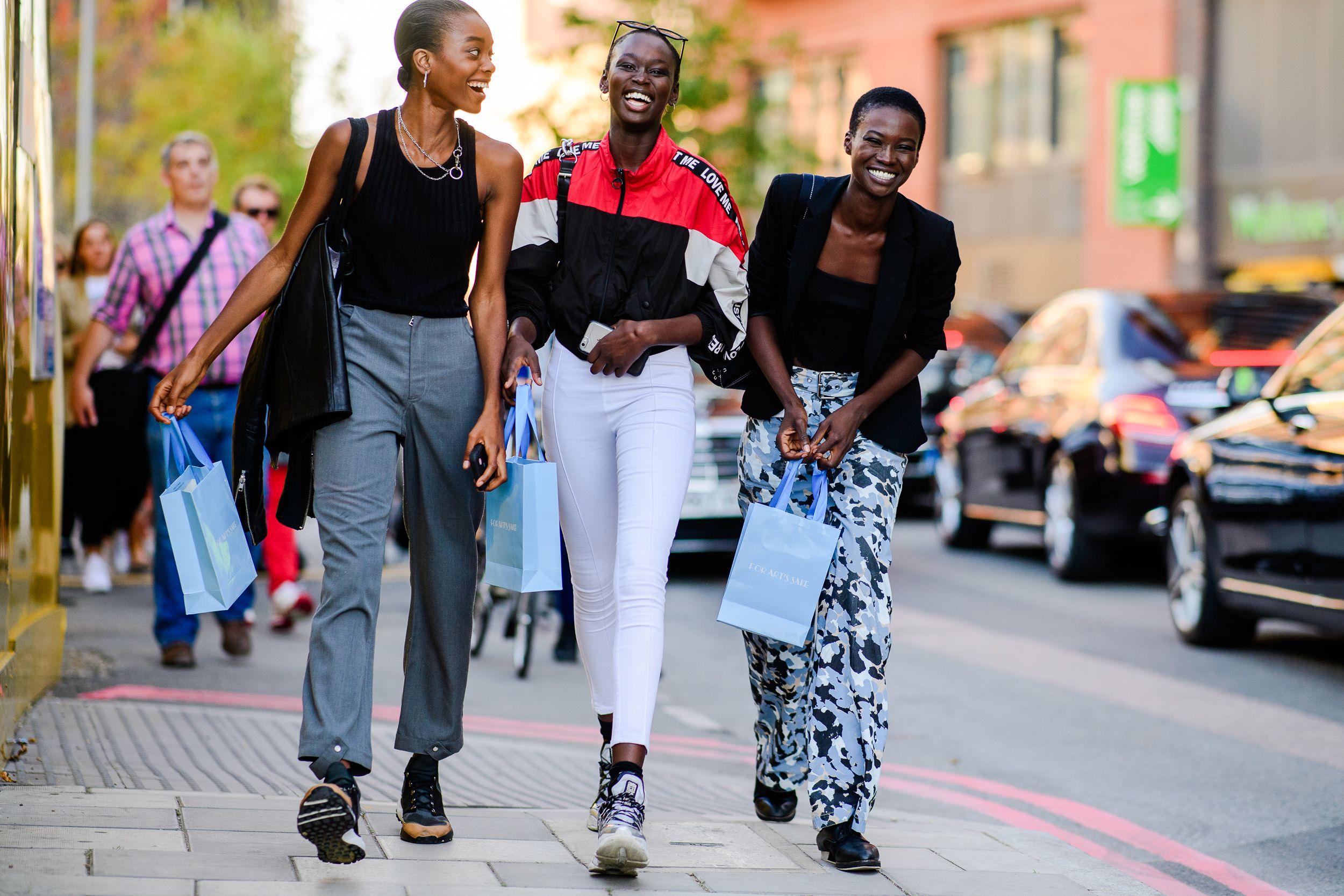 351ee8b24ec Best Street Style at London Fashion Week Spring 2019 - London Street ...