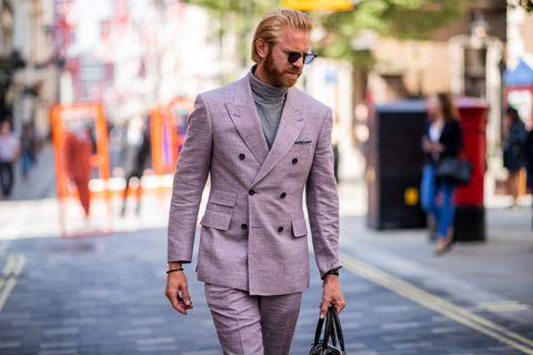 Collar, Coat, Outerwear, Dress shirt, Style, Street fashion, Street, Sunglasses, Bag, Suit,