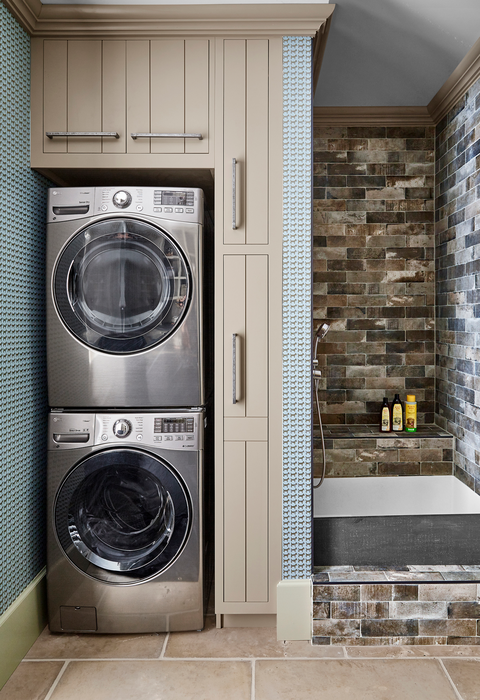 Major appliance, Laundry room, Washing machine, Room, Laundry, Home appliance, Property, Tile, Clothes dryer, Architecture,