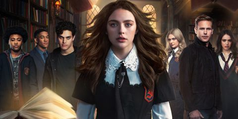 Hope At Christmas Cast.Legacies Season 2 News Cast Air Date Trailer Spoilers