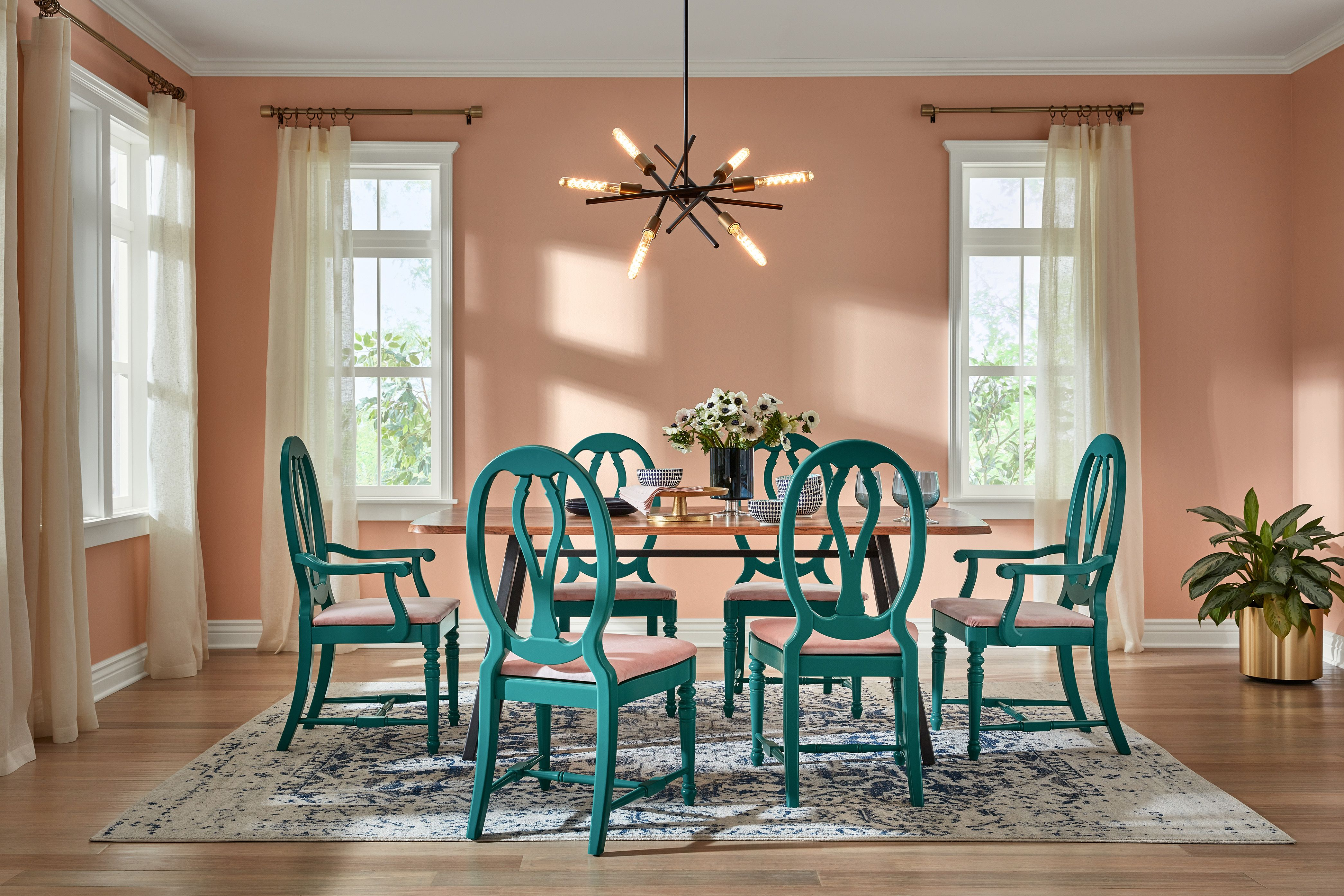 HGTV Home by Sherwin-Williams\'s 2020 Color of the Year Is...