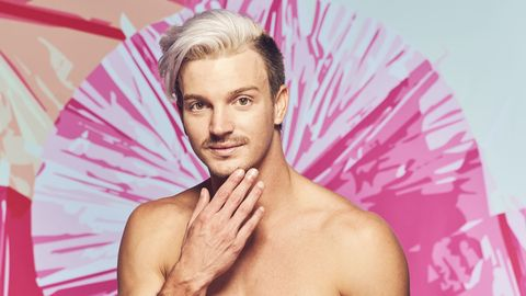 meet christian longnecker who is looking for love this summer on love island new episodes air tuesdays friday 900 1000h, etpt and sunday 900 11:00 am, etpt on cbs tv network and available to stream live and on demand on l cbs and paramount application photo sara mallycbs © 2021 cbs broadcast, inc all rights reserved