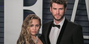 Liam Hemsworth, Miley Cyrus, Miley Cyrus y Liam Hemsworth, Miley Cyrus y Liam Hemsworth separacion, Miley Cyrus besandose chica, Miley Cyrus y Liam Hemsworth ruptura